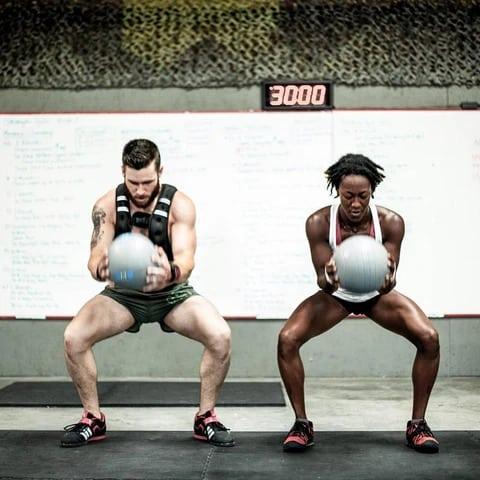 Fringe Sport Slam Balls squats