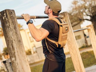 GORUCK Ruck Plate Carrier 2.0 coyote pull up