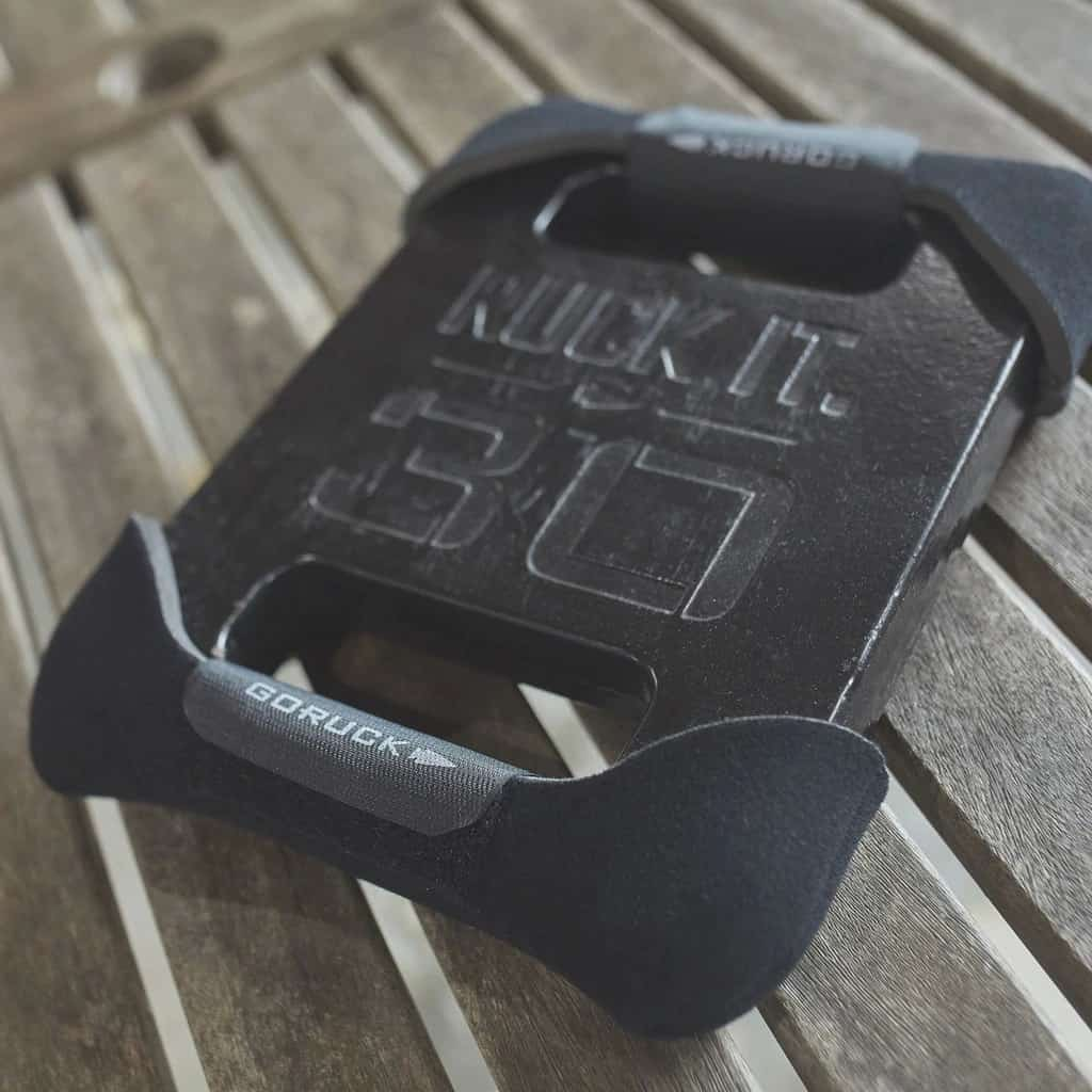 Use the GORUCK Plate Cradle with your GORUCK Expert Plates to keep movement to a minimum in the laptop compartment of your GR1.