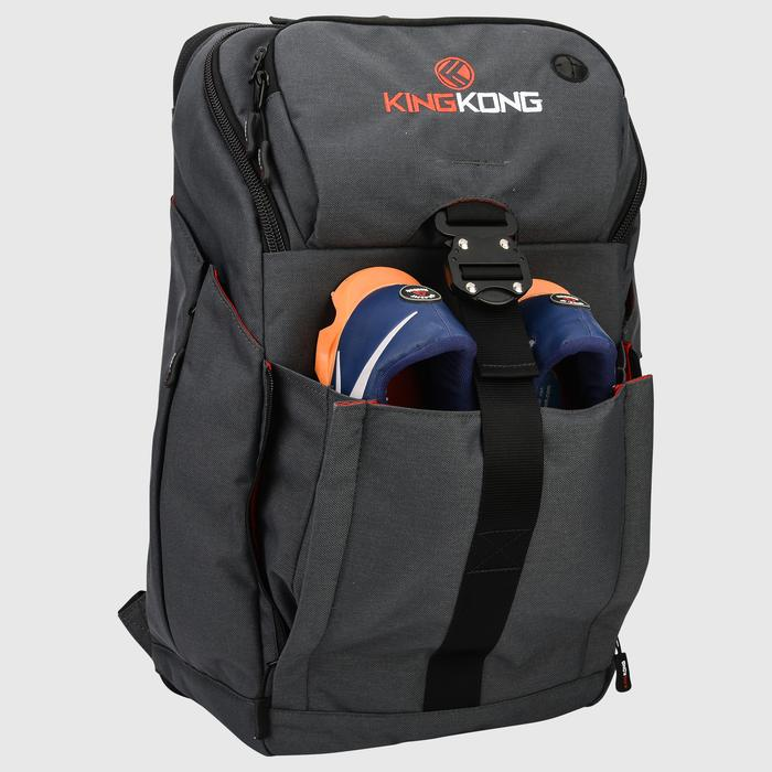 Combining super-tough materials with innovative design results in a truly great backpack - the dedicated shoe compartments on this great gym backpack let you transport weightlifting shoes without taking up valuable internal space.