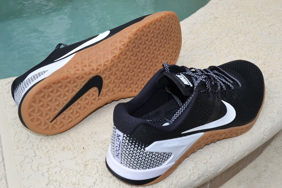 Nike Metcon 4 - Nikes new for 2018 premier cross training shoe - great for weightlifting or anything in the CrossFit WOD. The best looking CrossFit shoe of 2018.