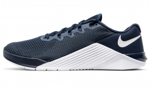 Nike Metcon 5 Mens Training Shoe in College Navy/Black/White colors.