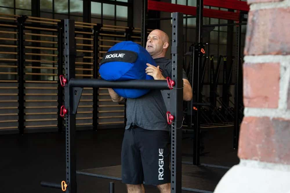 Rogue Color Strongman Sandags blue on a pull up