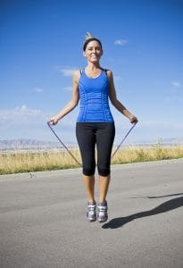 Trainee with a jumping rope - a great weight loss and fat loss exercise that can be done anywhere.