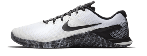 The Nike Metcon 4 XD is Nikes competitor to the NOBULL Trainer.  It js also a versatile and tough CrossFit training shoe - how do they stack up?
