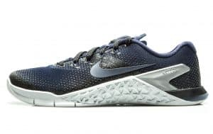 Nike Metcon 4 Womens - shown here in COLLEGE NAVY / COLLEGE NAVY-BLACK