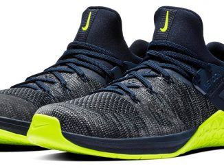 The Men's Metcon Flyknit 3 is lightweight, flexible, breathable, and uniquely contoured to your foot—more like a sock than a typical training shoe. It's also built tough to ensure a stable platform and dependable comfort through everything from weightlifting movements to rope climbs, box jumps, distance running, and more. Few cross-trainers ever developed can match this combination of precision fit and performance.