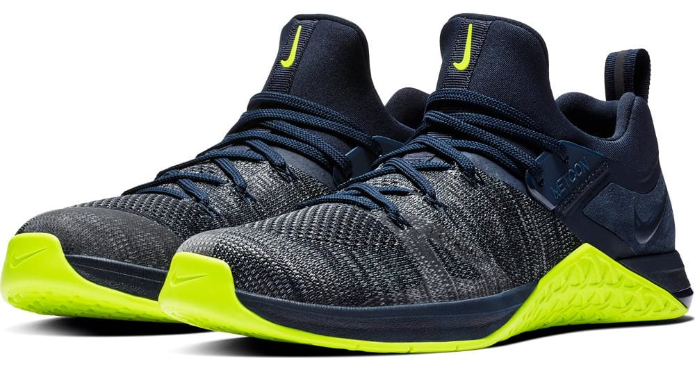 brand new 3ec42 15e06 The Men s Metcon Flyknit 3 is lightweight, flexible, breathable, and  uniquely contoured to