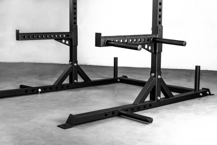 Rep Fitness SR-4000 Squat Rack - dip handles and band pegs are an unexpected bonus