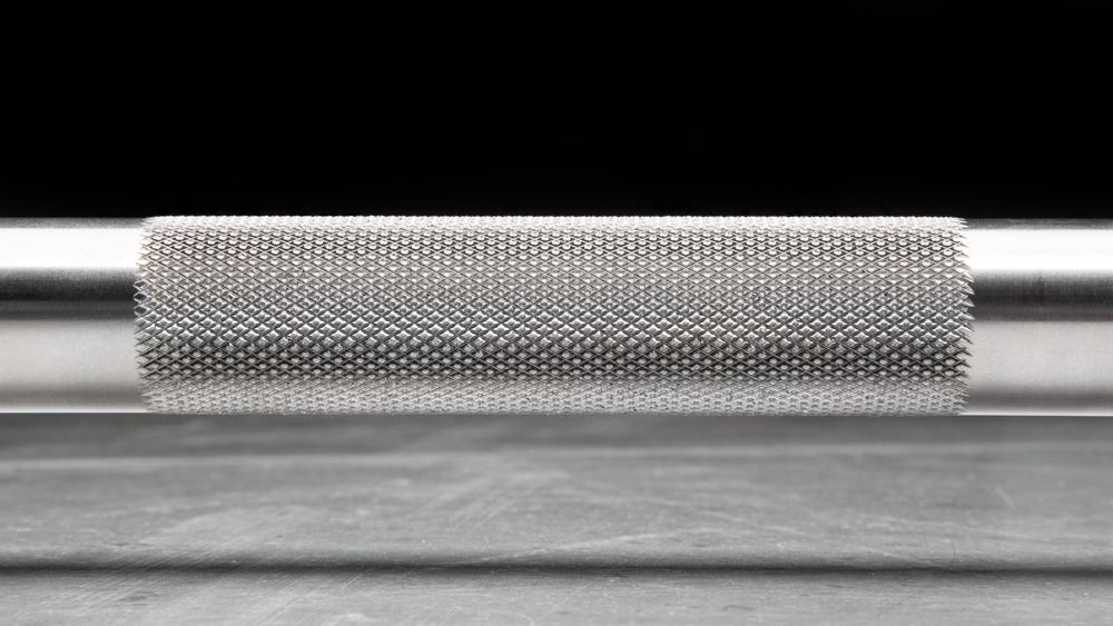 Rogue Ohio Power Bar in Stainless Steel - showing the Knurl